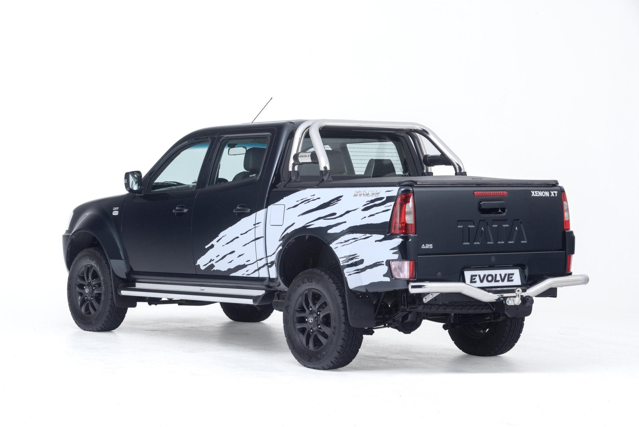 Tata Xenon Evolve Black